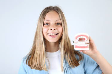 Why You Should Choose a Laser Dentist for Teen Braces